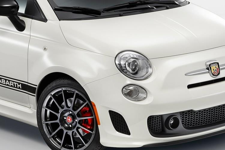 Abarth 595 C Cabrio 1.4 T-Jet 165PS Turismo 70th 2Dr Manual detail view