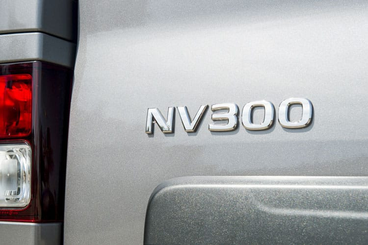 Nissan NV300 L2 30 M1 2.0 dCi FWD 120PS Tekna Combi Manual detail view